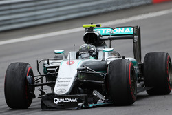 Nico Rosberg, Mercedes AMG F1 limps around the track