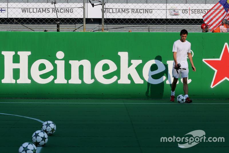 Heineken partita di calcio di beneficenza, Jolyon Palmer, Renault Sport F1 Team