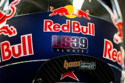 Carlos Sainz Jr., Scuderia Toro Rosso pays tribute to Luis Salom
