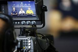 Paul Monaghan, Şef Mühendisi, Red Bull Racing, Paddy Lowe, Williams Formula 1 ve Nick Chester, Teknik Direktörü, Renault Sport F1 Team