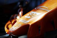 Honda logo en neus McLaren MCL32