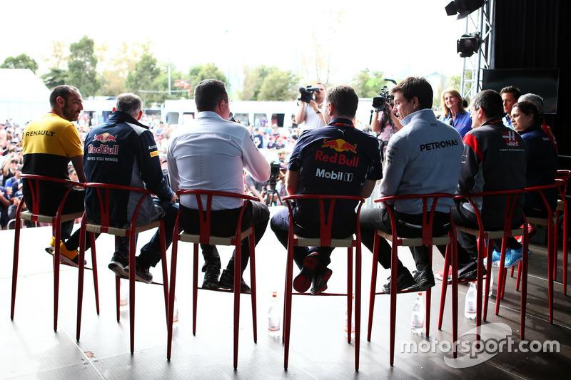 Maurizio Arrivabene, Ferrari; Monisha Kaltenborn, Sauber; Günther Steiner, Haas; Toto Wolff, Mercedes; Christian Horner, Red Bull Racing; Eric Boullier, McLaren; Franz Tost, Scuderia Toro Rosso; Cyril Abiteboul, Renault