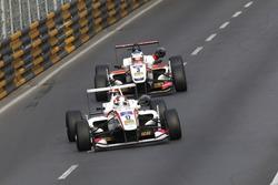 Kenta Yamashita, ThreeBond with T-Sport Dallara Tomei; Nick Cassidy, SJM Theodore Racing by Prema Dallara Mercedes