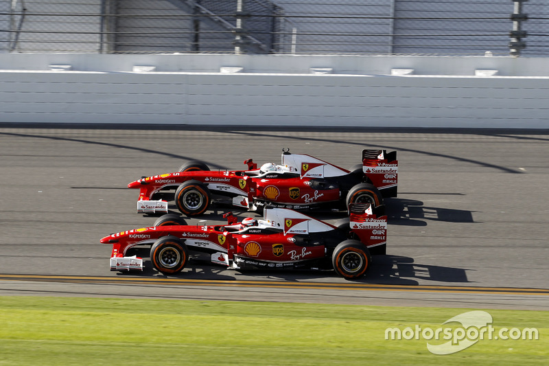 Kimi Raikkonen, Ferrari F60 y Sebastian Vettel, Ferrari F60
