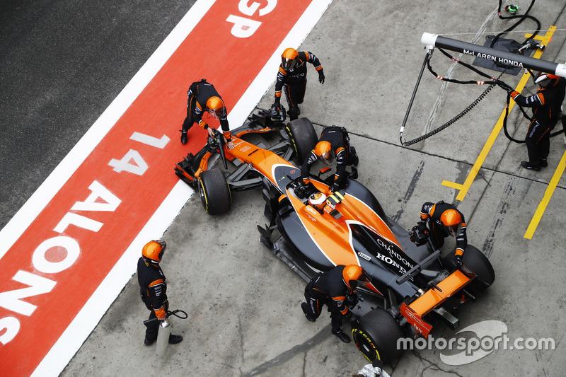 Stoffel Vandoorne, McLaren, abandonne