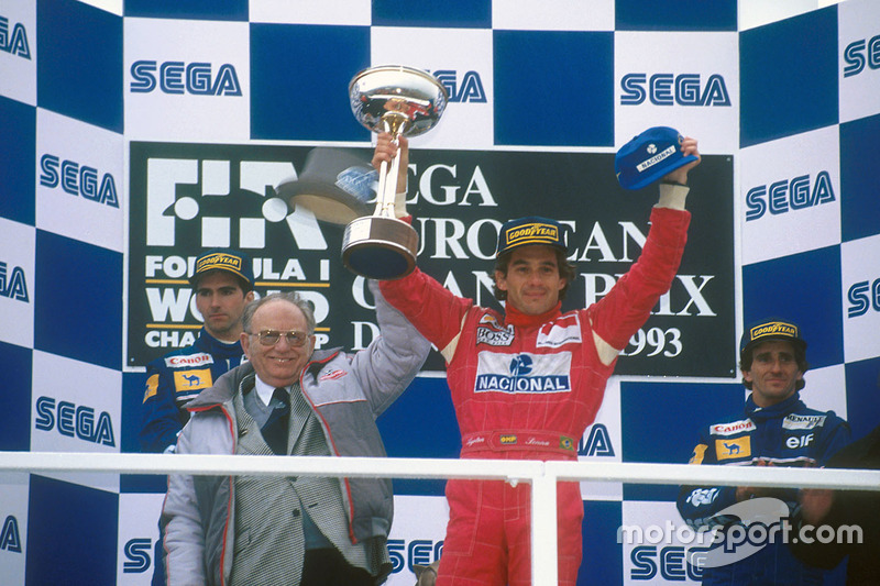 Podium: 1. Ayrton Senna, McLaren MP4/8 Ford; 2. Damon Hill, Williams FW15C Renault; 3. Alain Prost,