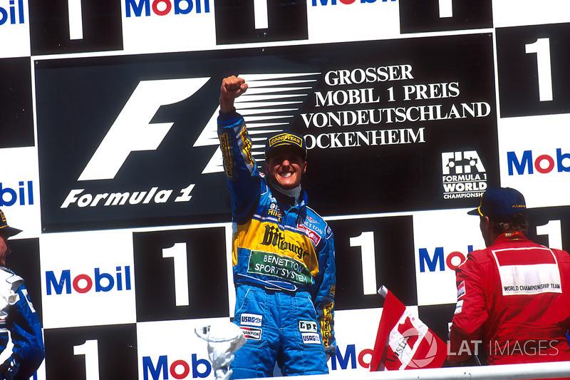 Podyum: Yarış galibi Michael Schumacher, Benetton Renault, 2. David Coulthard, Williams Renault