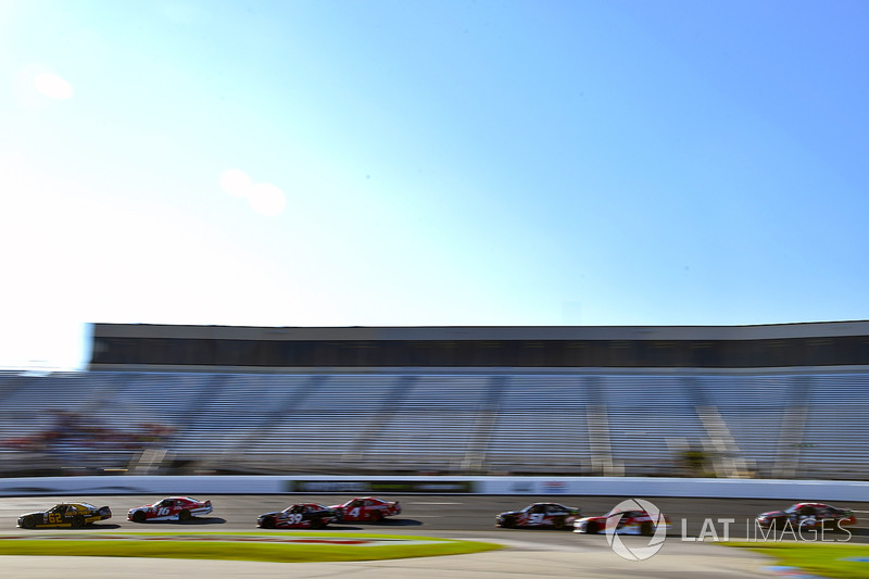 Brendan Gaughan, Richard Childress Racing Chevrolet y Ryan Reed, Roush Fenway Racing Ford