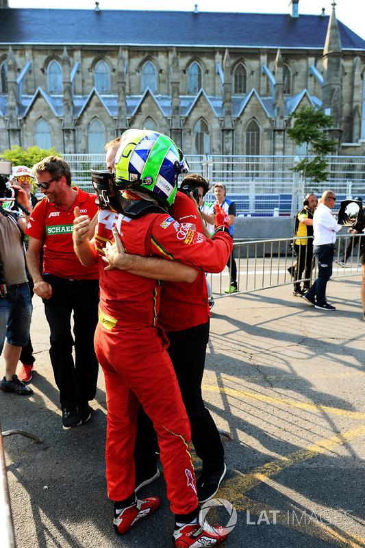 Lucas di Grassi, ABT Schaeffler Audi Sport, celebra después de ganar el Campeonato