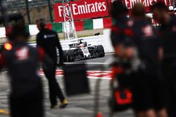 Kevin Magnussen, Haas F1 Team VF-17, in pit lane