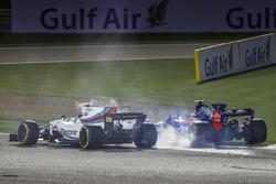 Столкновение: Лэнс Стролл, Williams FW40, и Карлос Сайнс-мл., Toro Rosso STR12