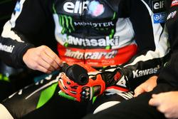Verletzte Hand von Tom Sykes, Kawasaki Racing