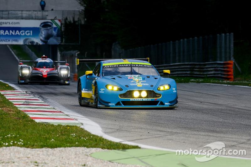 #97 Aston Martin Racing Aston Martin Vantage: Даррен Тьорнер, Джонатан Адам