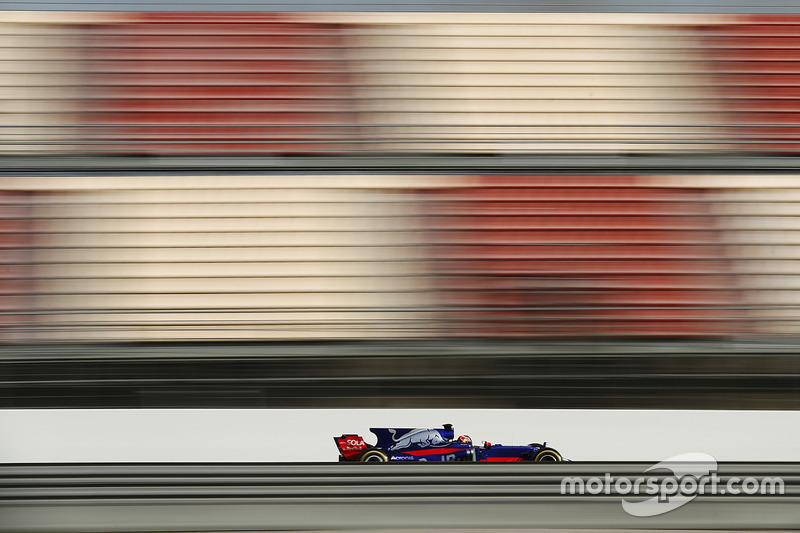 Martes : Daniil Kvyat, Scuderia Toro Rosso STR12