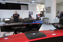 L'officina del Team Venturi