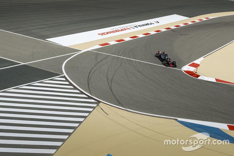 Romain Grosjean, Haas F1, Team VF-17