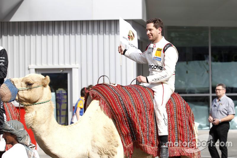 #911 Herberth Motorsport Porsche 991 GT3 R: Robert Renauer on the camel