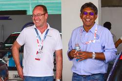 Bernhard Gobmeier, Director de Volkswagen Group Motorsport, Sirish Vissa, jefed de Volkswagen Motorsport India
