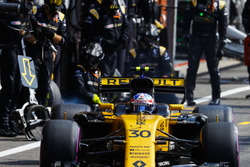 Jolyon Palmer, Renault Sport F1 Team RS17 after a stop