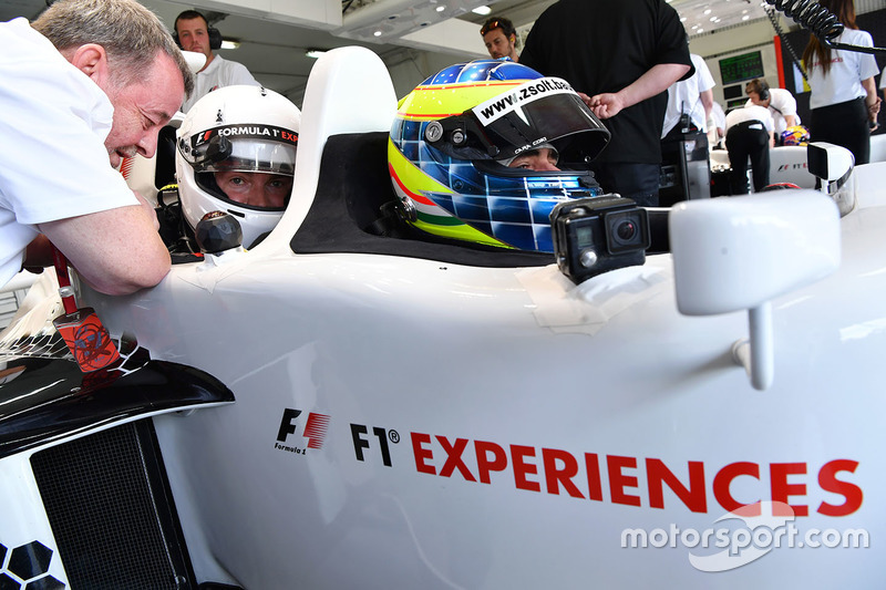 Paul Stoddart, Zsolt Baumgartner, F1 Experiences 2-Seater driver and F1 Experiences 2-Seater passeng