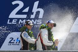 2. Anthony Davidson, Toyota Gazoo Racing, 1. Earl Bamber, Porsche Team