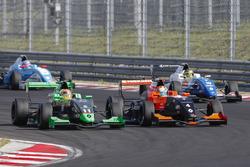 Gabriel Aubry, Tech 1 Racing, et Sacha Fenestraz, Josef Kaufmann Racing