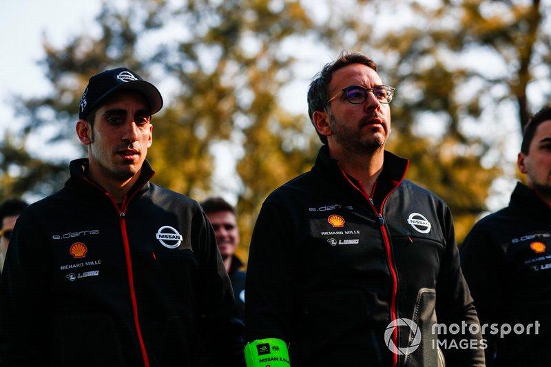 Sébastien Buemi, Nissan e.Dams, on the track walk with the team