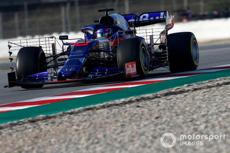 Alex Albon, Scuderia Toro Rosso STR14 with aero sensors