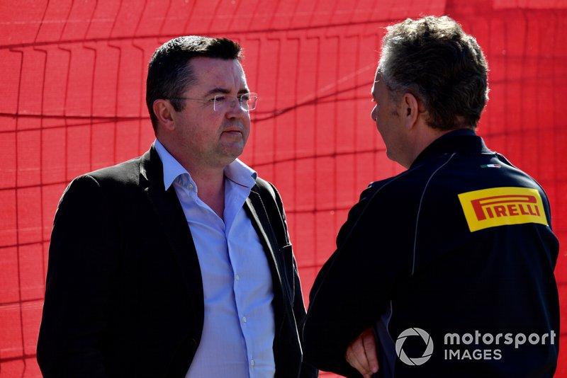 Ерік Бульє, гоночний директор Pirelli Motorsport Маріо Ізола