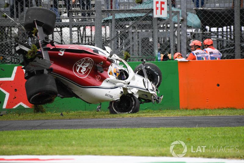 Marcus Ericsson, Sauber C37 crash
