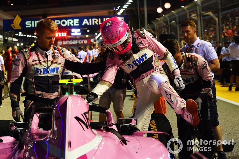 Esteban Ocon, Racing Point Force India VJM11 on the grid
