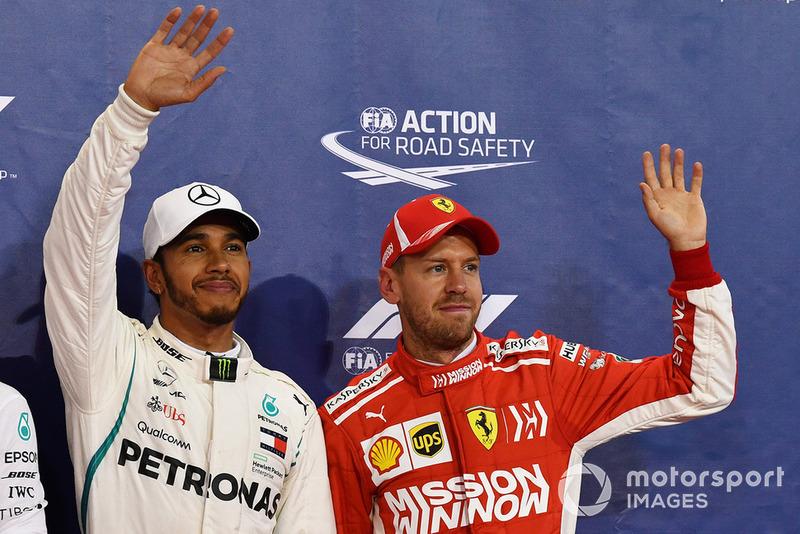 Il poleman Lewis Hamilton, Mercedes AMG F1, il terzo classificato Sebastian Vettel