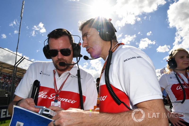 Xevi Pujolar, Sauber Head of Track Engineering on the grid