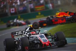 Kevin Magnussen, Haas F1 Team VF-18 Ferrari, a spinning Max Verstappen, Red Bull Racing RB14 Tag Heuer