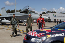 Jamie Whincup, Triple Eight Race Engineering with RAAF Flight Lieutenant Matthew Trayling's Royal Australian Air Force F/A-18A Horne and Virgin Australia's 737-800
