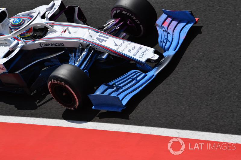 Williams FW41, con parafina en el alerón delantero