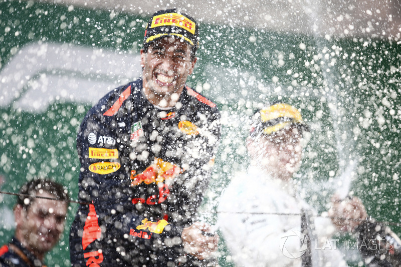 Podium: 1. Daniel Ricciardo, Red Bull Racing, 2. Valtteri Bottas, Mercedes-AMG F1
