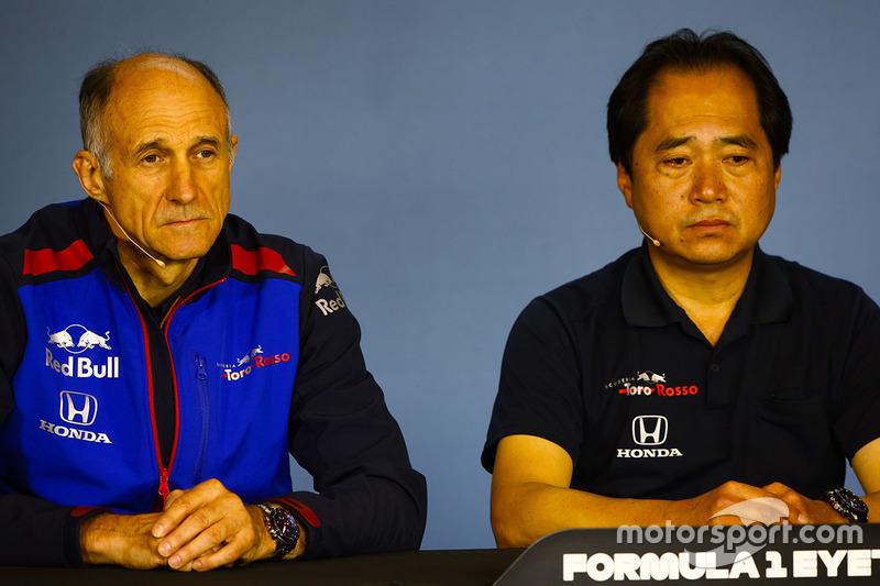 Franz Tost, Team Principal, Toro Rosso, y Toyoharu Tanabe, Honda F1