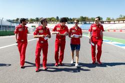 Sebastian Vettel, Ferrari, marche sur la piste