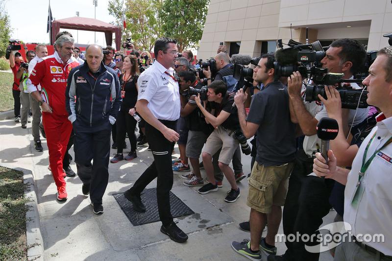 Maurizio Arrivabene, Ferrari irector del equipo, Franz Tost, Scuderia Toro RossoDirector del equipo con Eric Boullier, McLaren Racing Director