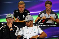 Кевин Магнуссен, Renault Sport F1 Team; Ромен Грожан, Haas F1 Team; Нико Хюлькенберг, Sahara Force I
