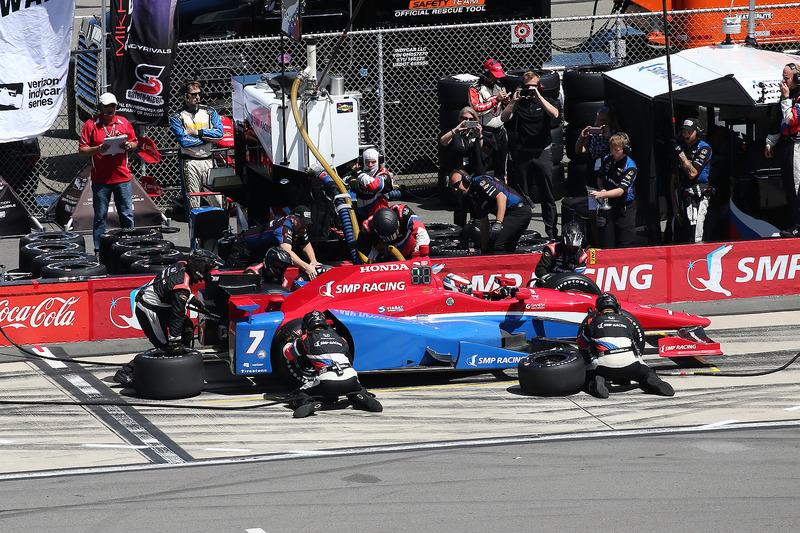 Mikhail Aleshin, Schmidt Peterson Motorsports Honda, pit stop