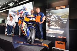 Mika Kallio, Sebastian Risse Pit Beirer and Mike Leitner unveiling the KTM MotoGP bike