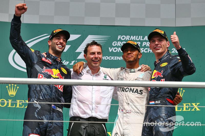 Podium: 1. Lewis Hamilton, Mercedes AMG F1; 2. Daniel Ricciardo, Red Bull Racing; 3. Max Verstappen, Red Bull Racing
