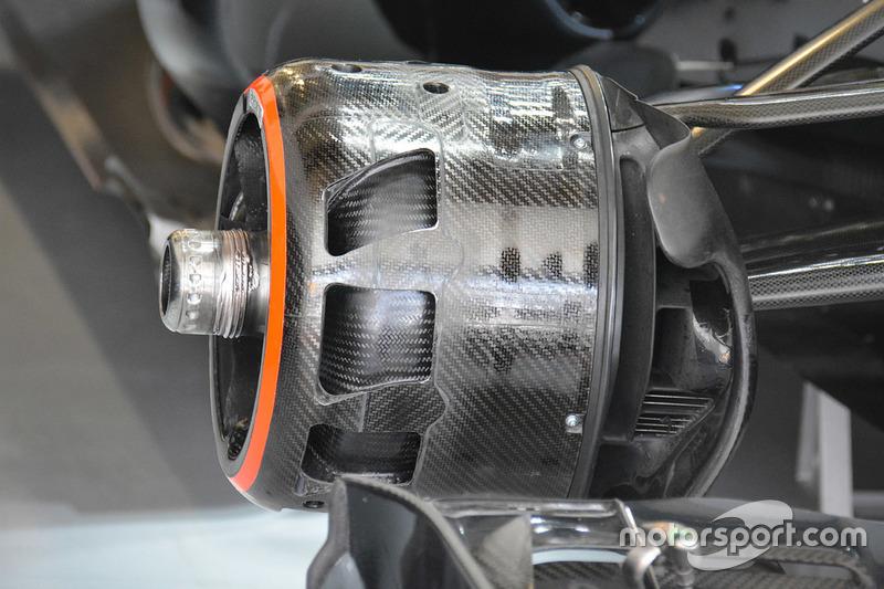 McLaren MP4-31 blown front axle