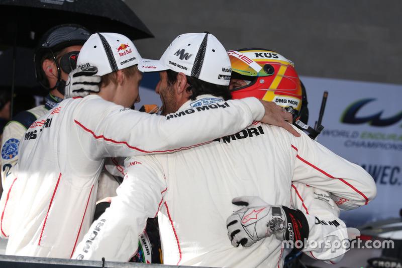 Race winners #1 Porsche Team Porsche 919 Hybrid: Mark Webber, Brendon Hartley, Timo Bernhard