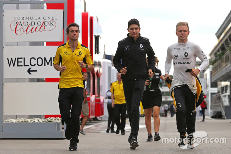 Jolyon Palmer, Renault Sport F1 Team, Esteban Ocon, Third Driver, Renault Sport F1 Team and Kevin Magnussen, Renault Sport F1 Team