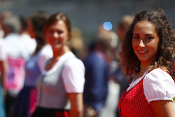 Grid Girls in national costume