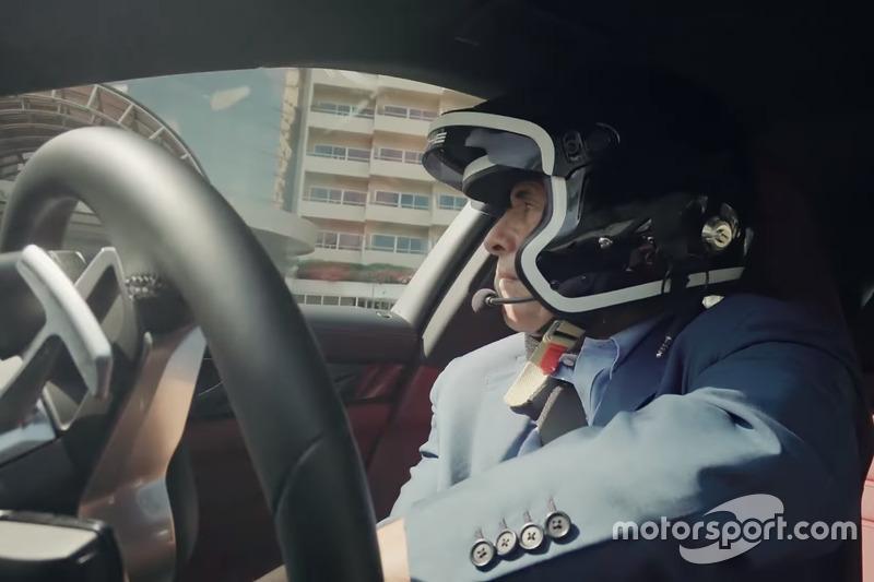 Жакі Ікс у Porsche Panamera