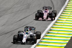 Фелипе Масса, Williams FW40, и Серхио Перес, Sahara Force India F1 VJM10